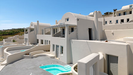 Villa with private swimming pool and large secluded veranda